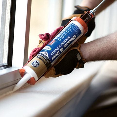 window-and-door-caulking-winnipeg